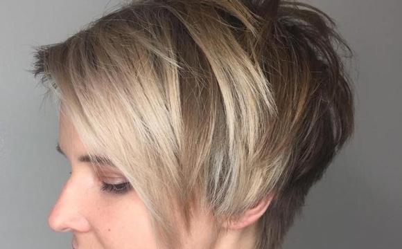 Coupe de cheveux courte effilée
