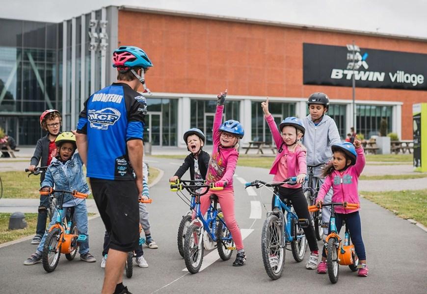 Des séances de vélo avec un moniteur MCF dans votre École !