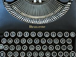 Remetter typewriter notecard