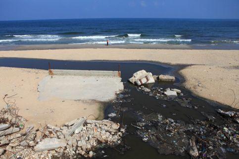 Gaza-Raw_Sewage