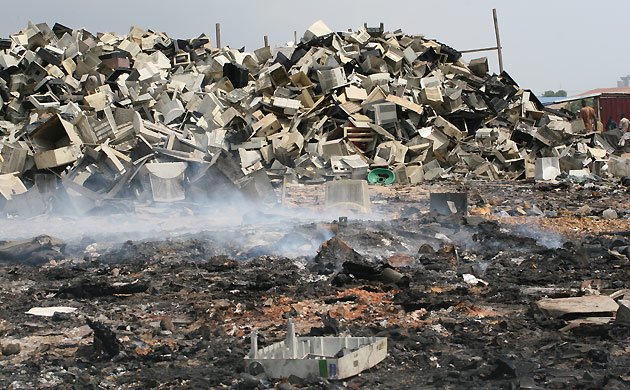 e-waste-burning