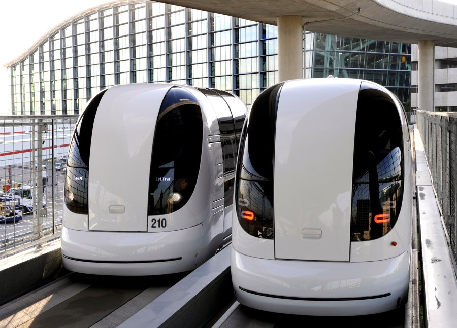 electric-pods-heathrow-airport