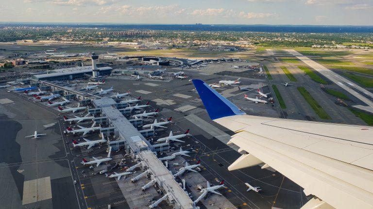 Compagnie aeree hub strategia competitiva Porter