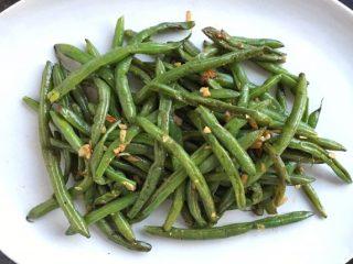 Simple Garlic Green Beans Main 2