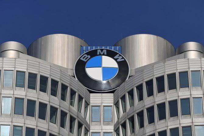 BMW adquire células de bateria produzidas usando energia renovável
