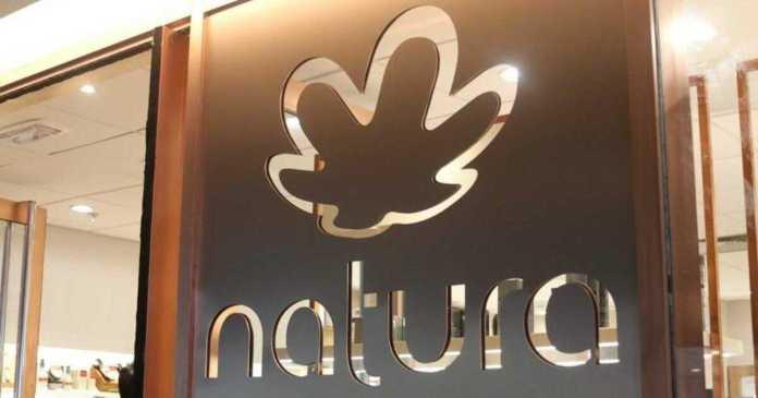 A multinacional de cosméticos brasileira não vai comprar doses para vacinar seus funcionários. O objetivo da doação é atender a saúde pública.