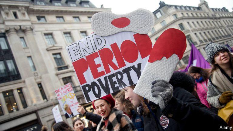 """पश्चिम में """"अवधि गरीबी"""" से निपटने के लिए क्या किया जा रहा है?"""