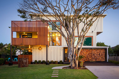 Graceville container home by Todd Miller