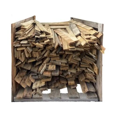 Planches issues de palettes recyclées. Longueur : 100 à 114 cm. Largeur : provenant de différentes palettes, les largeurs varient entre 7 et 10 cm. Finition : brute, clous coupés à ras de la planche, qualité variable. Vente à l'unité
