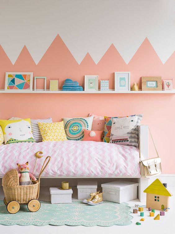 tout y est pour vous aider a reussir votre murale les options sont multiples et le resultat est souvent etonnant peinture murale chambre a coucher