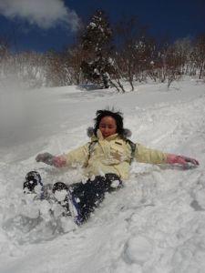 超豪快!雪山尻すべり! 息も止まるほどのスピードで、ダイナミックに雪山を楽しみました。