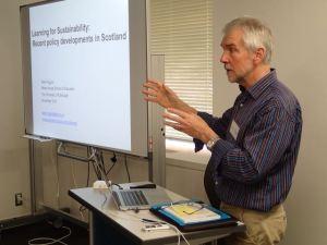 教育についての理論と具体的な政策について分かりやすくヒギンズ教授が話してくれました。