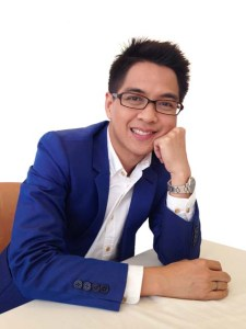タイで放送番組を持ちながら大学で教えるサラトーンさん。日本で博士号取得。