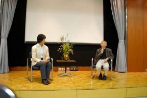 映画の後に対談する龍村仁監督(右)と高野孝子。