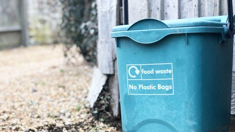 Che famo, riciclamo?