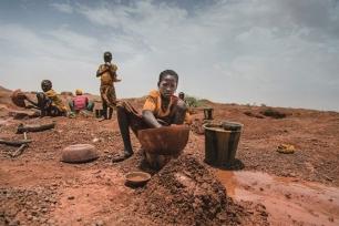 La degradación ambiental agrava la explotación laboral infantil