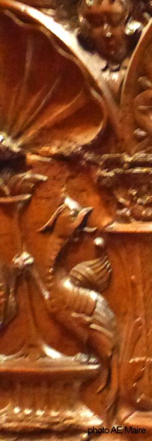 coffre renaissance XVI grotesque détail