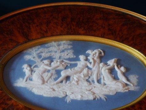 guéridon Empire Louvre porcelaine de Sèvres ecoutelebois