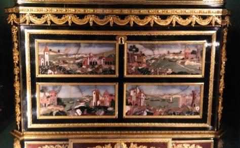 meuble décor pierres dures 18e Louvre