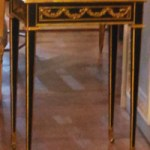 Table Louis XVI Louvre ecoutelebois