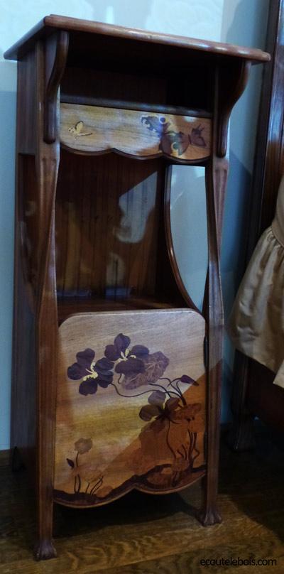table-de-nuit Louis Majorelle Nancy-1900 ecoutelebois