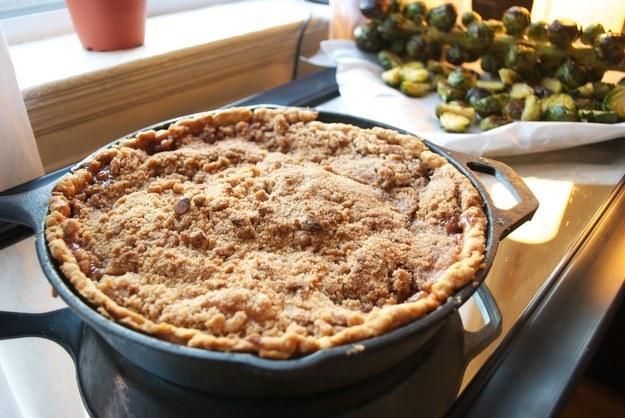 Skillet Apple Crumb Pie