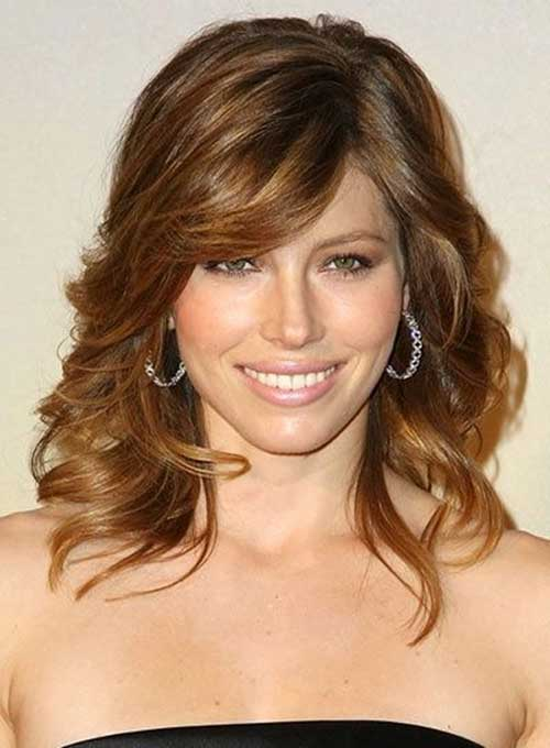 classy-curly-hairstyle-with-side-bangs