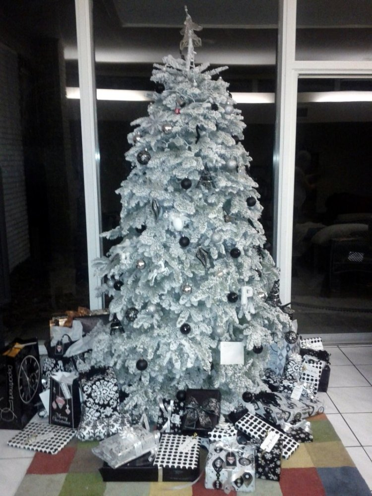 3 black and white christmas tree