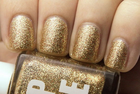Gold Glitter Nails Designs 12