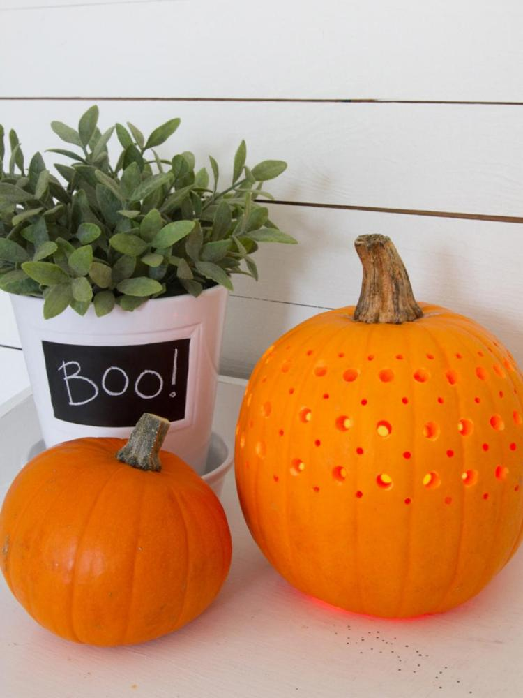 make-a-pretty-fretwork-pumpkin