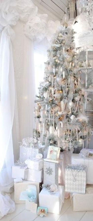 White And Silver Christmas Tree Decorations Ideas.37 Awesome Silver And White Christmas Tree Decorating Ideas