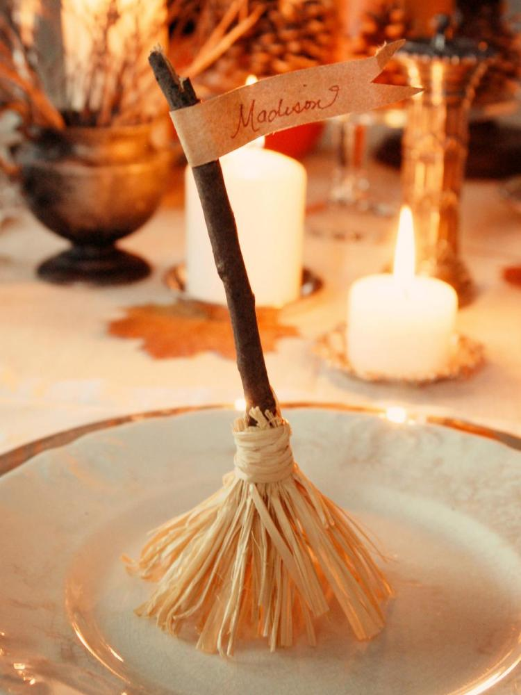 witchs-broomstick-place-cards