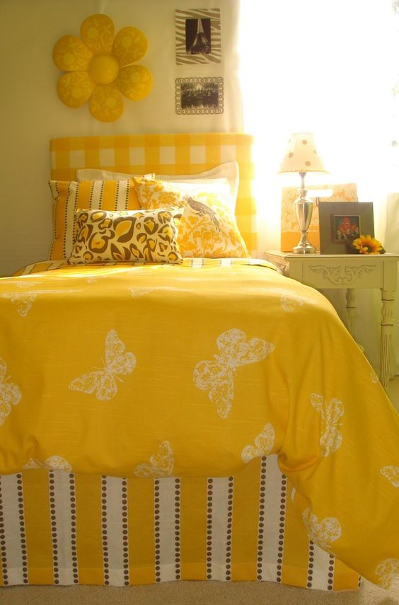 Famous How To Decorate Dorm Room Walls Without Nails Inspiration ...