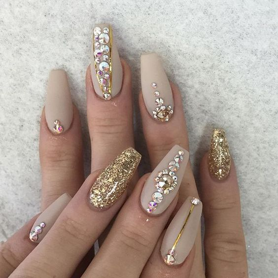 80 Awesome Glitter Nail Art Designs Youll Love Page 6 Of 9