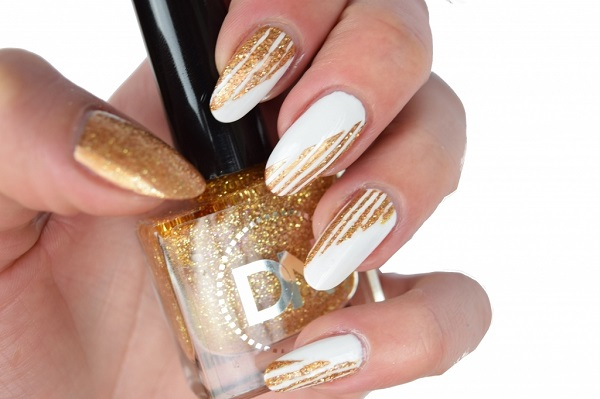 Gold Stripes On White Snow Nail Design Youtube for Gold Nail Designs - Nail  Design Ideas - 46 Cute Gold Nail Art Designs And Ideas For 2017 - EcstasyCoffee