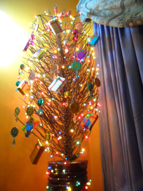 46 Creative Christmas Tree Decorating Ideas For Your ...