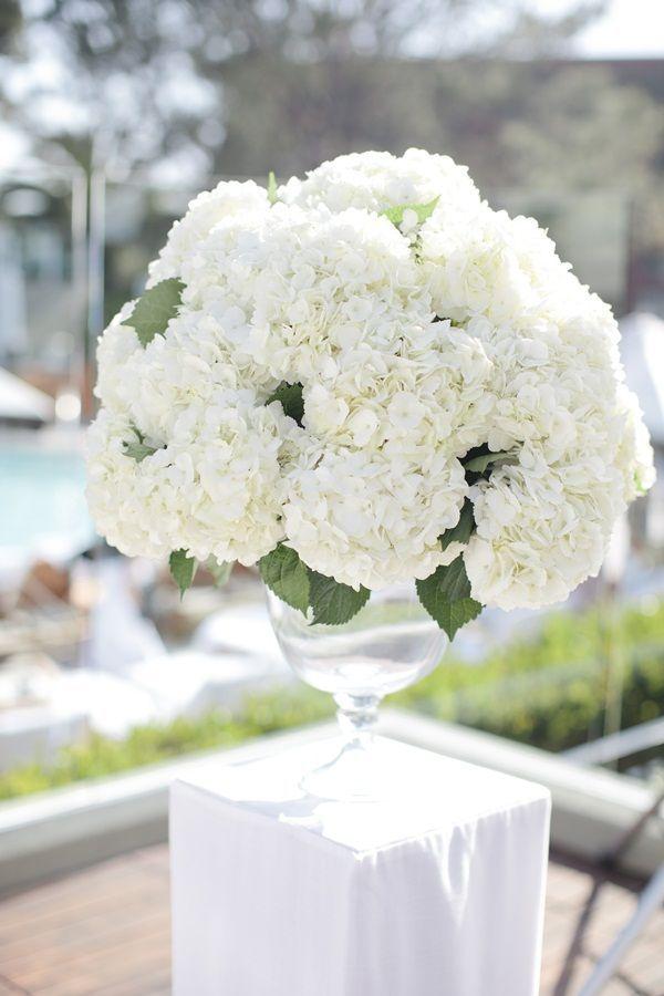 42 Simple And Elegant White Wedding Decor Ideas For Romantic Wedding
