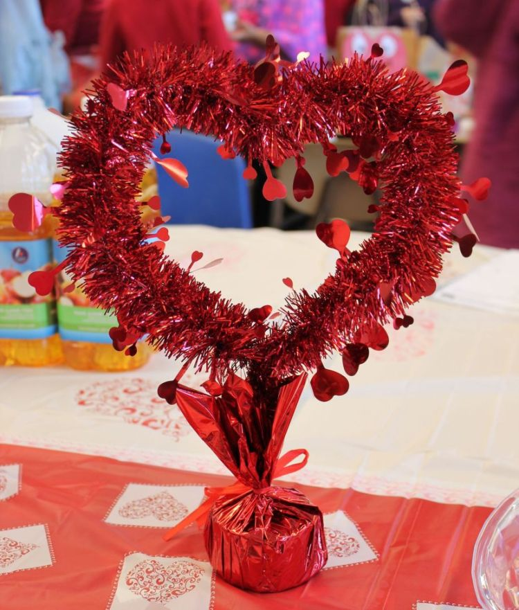 this is the most romantic day of the year valentine therefore deserves a special decoration of your interior you will find below of many ideas for - Valentines Day Centerpieces