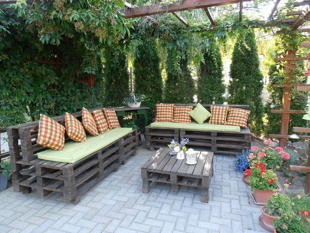 38 Amazing DIY Outdoor Pallet Furniture Designs That Can Blow Your