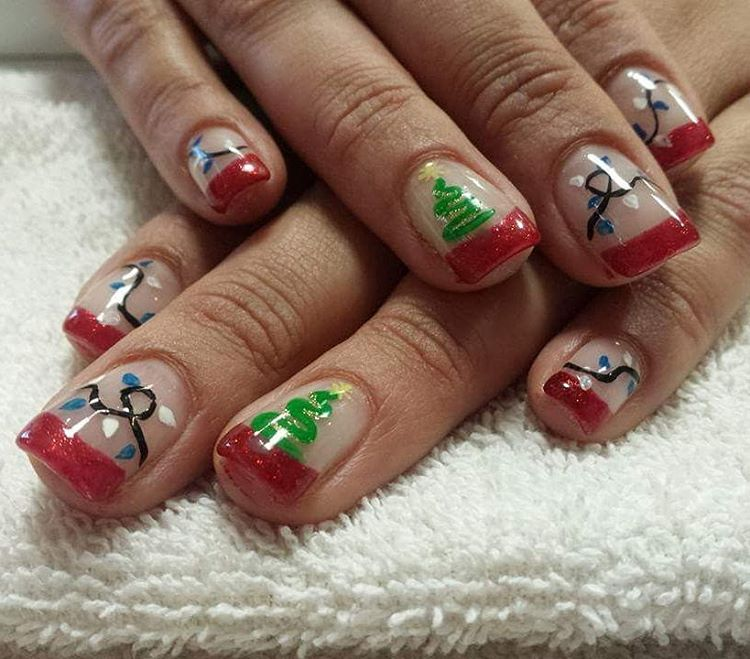 #christmasnails #chritmastree #christmaslights #nailsdesign #nailart #naildesigns #red #green #redfrench #frenchnails💅