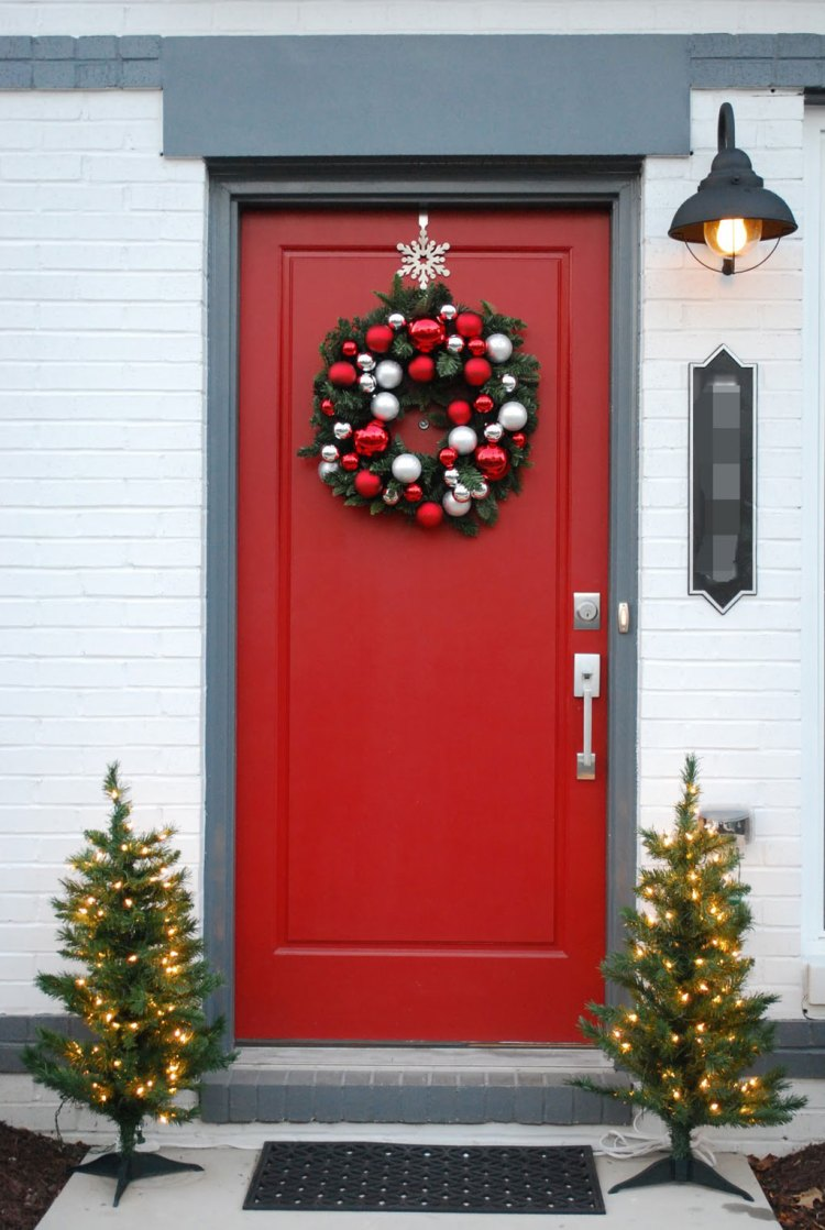 20 memorable ideas for christmas front door decoration