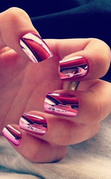 Elegant Pink Metallic Nail Art