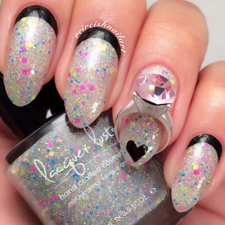 Glittery Valentine's Day Nails.