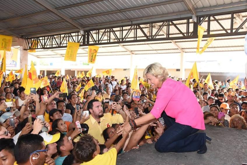 Fuente: imagen tomada del perfil en Facebook de la candidata.