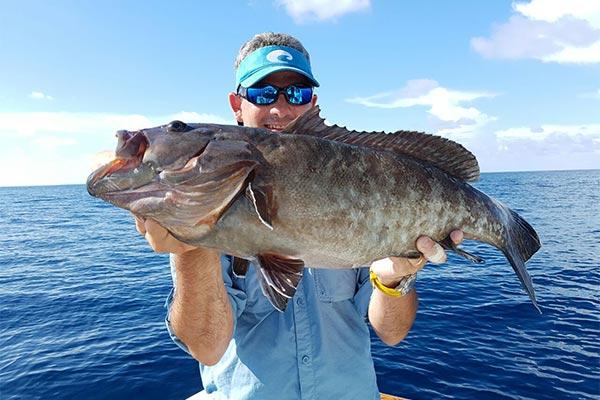 bottom fishing ecuagringo galapagos 02