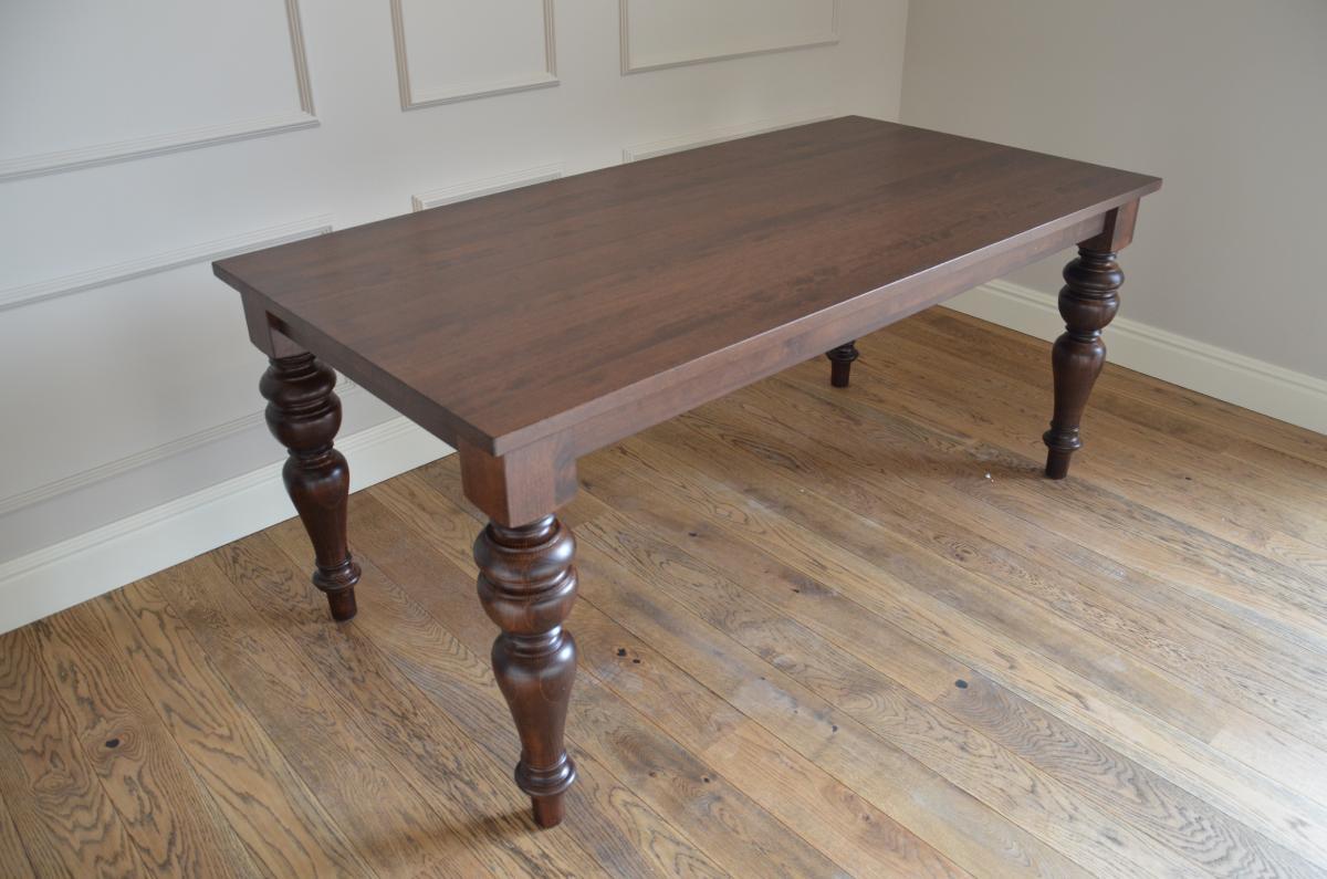 stół bukowy z toczonymi nogami kolor LA