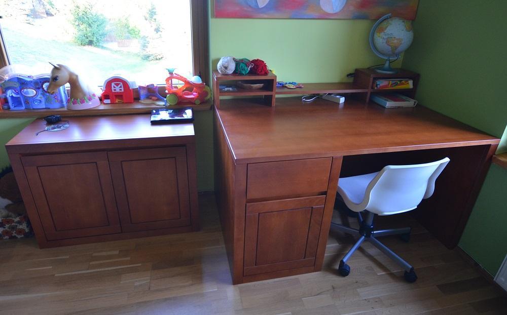 Drewniane biurko madras