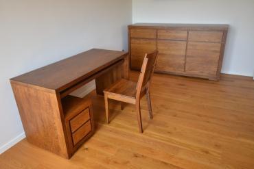 biurko dębowe z półką wysuwaną