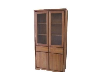 witryna ze szklanymi drzwiami