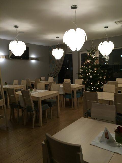 meble drewniane restauracja